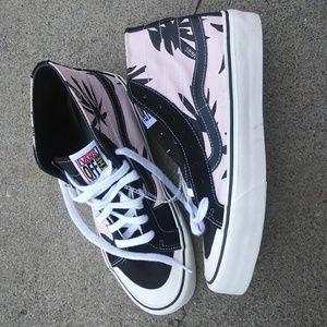 Vans high top shoes NWT
